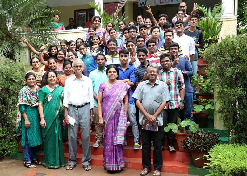 10th-result-bhavans-manvila-2017