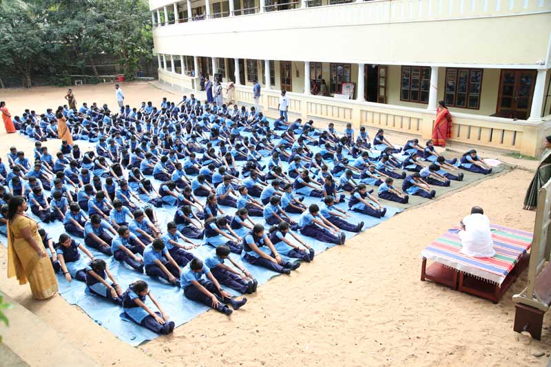 international yoga day-bhavans-manvila-school-trivandrum