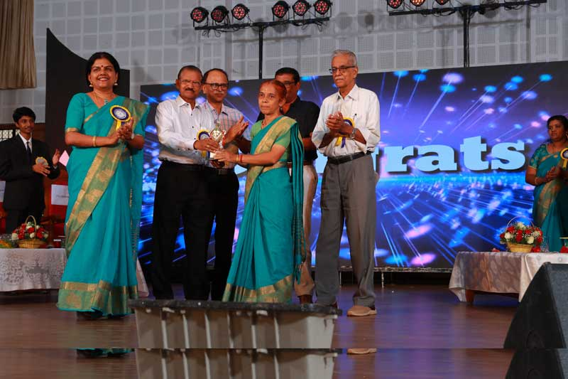 Annual Day 2018-19 : Prize Distribution